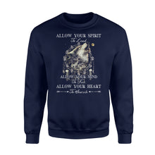 "Load image into Gallery viewer, Beautiful howling wolves with dream catcher Sweat shirt - quote ""Allow your spirit to lead, allow your mind to free, allow your heart to search"" - great gift ideas for wolf lovers - IPH454"