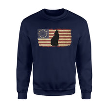 Load image into Gallery viewer, Vintage Betsy Ross Flag howling Wolf sweatshirt design - IPH272
