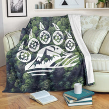 Load image into Gallery viewer, Bear Paw forest camping blanket, campfire fleece blanket - 3DQ91
