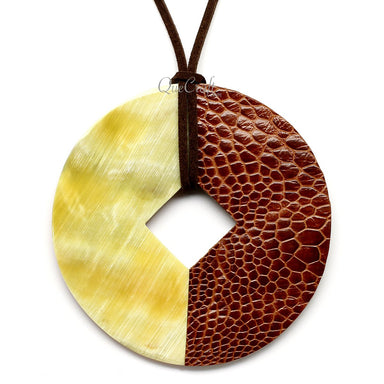 Horn & Leather Pendant #12491 - HORN.JEWELRY by QueCraft