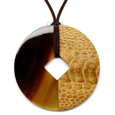 Horn & Leather Pendant #12494 - HORN.JEWELRY by QueCraft