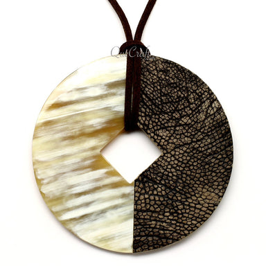 Horn & Leather Pendant #12495 - HORN.JEWELRY by QueCraft