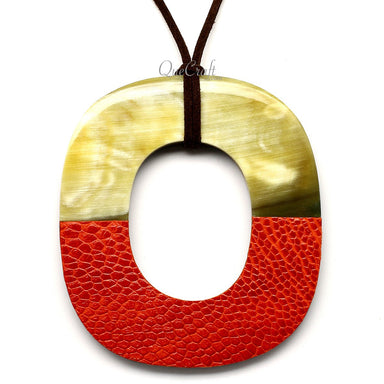 Horn & Leather Pendant #12498 - HORN.JEWELRY by QueCraft