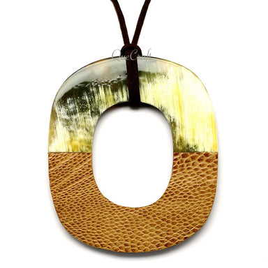 Horn & Leather Pendant #12501 - HORN.JEWELRY by QueCraft