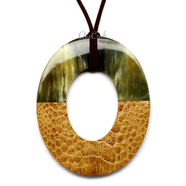 Horn & Leather Pendant #12503 - HORN.JEWELRY by QueCraft