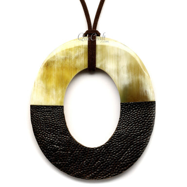 Horn & Leather Pendant #12504 - HORN.JEWELRY by QueCraft
