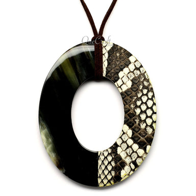 Horn & Leather Pendant #12509 - HORN.JEWELRY by QueCraft