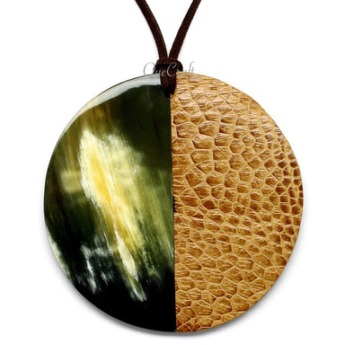 Horn & Leather Pendant #12512 - HORN.JEWELRY by QueCraft