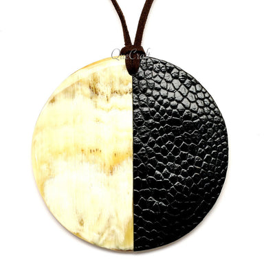 Horn & Leather Pendant #12513 - HORN.JEWELRY by QueCraft