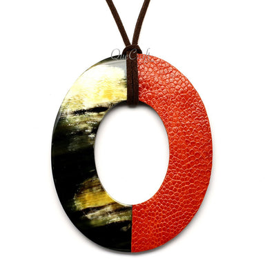 Horn & Leather Pendant #12516 - HORN.JEWELRY by QueCraft