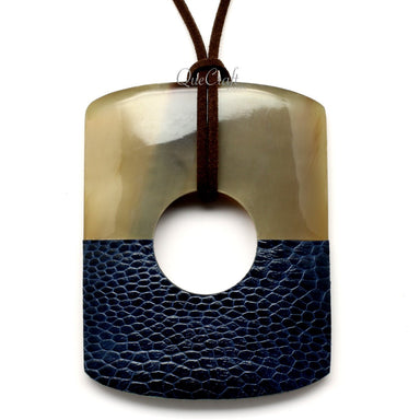 Horn & Leather Pendant #12522 - HORN.JEWELRY by QueCraft