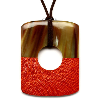 Horn & Leather Pendant #12523 - HORN.JEWELRY by QueCraft