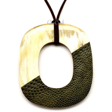 Horn & Leather Pendant #12524 - HORN.JEWELRY by QueCraft