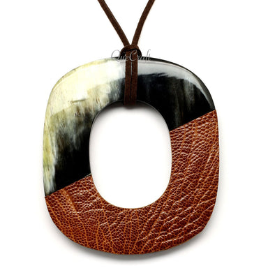 Horn & Leather Pendant #12526 - HORN.JEWELRY by QueCraft