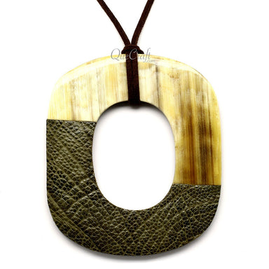 Horn & Leather Pendant #12529 - HORN.JEWELRY by QueCraft