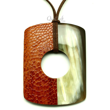 Horn & Leather Pendant #13011 - HORN.JEWELRY by QueCraft
