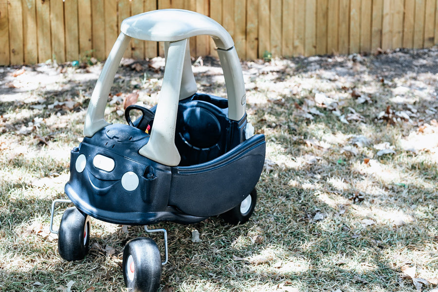 It's #thriftshopchallenge week and I'm so excited to be sharing all of the details of how I took a couple of Little Tikes pieces from the thrift store and gave them some love so they aren't such, um, eyesores in my backyard!