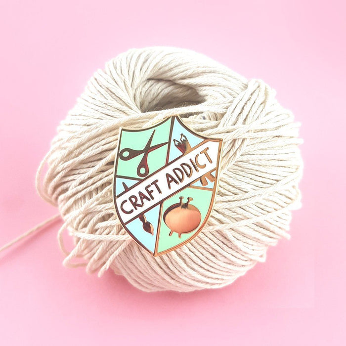 Craft Addict Pin