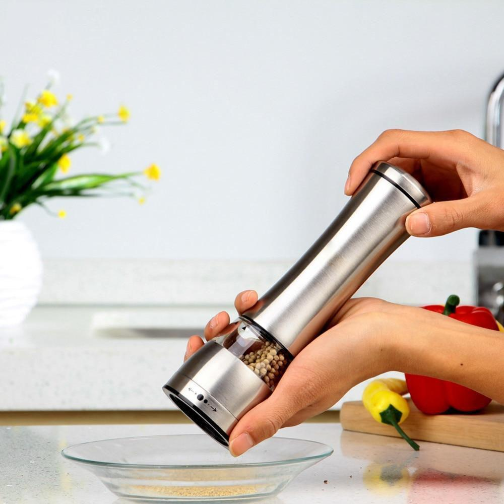 Gravity Controlled Salt or Pepper Mill