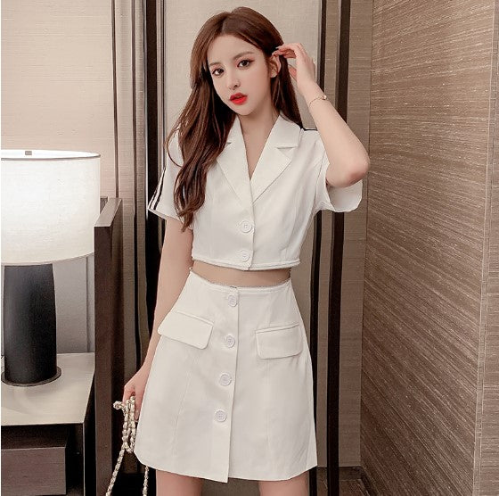 Fashionable vintage V-neck short sleeve dress with two pieces