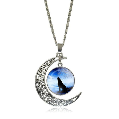 Blue Sky Howling Wolf Necklace - American Wolves