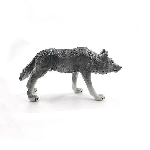 On The Hunt Wolf Figurine - American Wolves