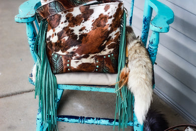 Tri-Color Speckled Dark Turquoise Feathers Patsy