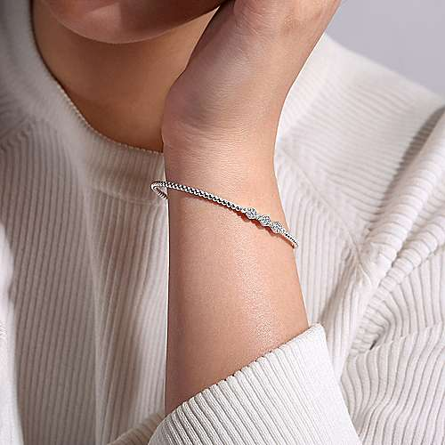 14K White Gold Fashion Bangle