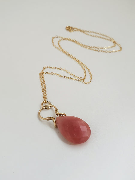Pink peruvian opal faceted gold necklace for women