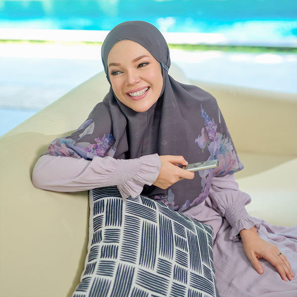 Baiti Khimar - Dark Grey *Minor *No Box