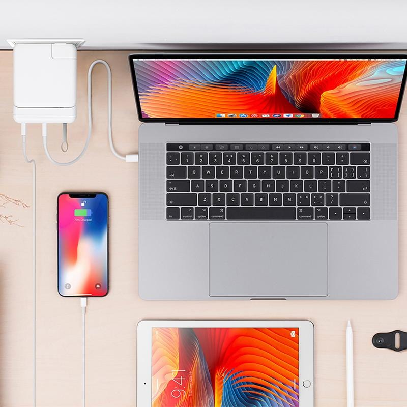 「HyperDrive」USB-C Hub for MacBook Pro 61W Power Adapter