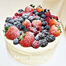 Load image into Gallery viewer, Durian Cake with Mixed Berries Toppings