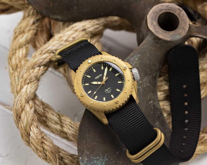 Pontvs Hydra Black | Brass Dive watch outdoor photo