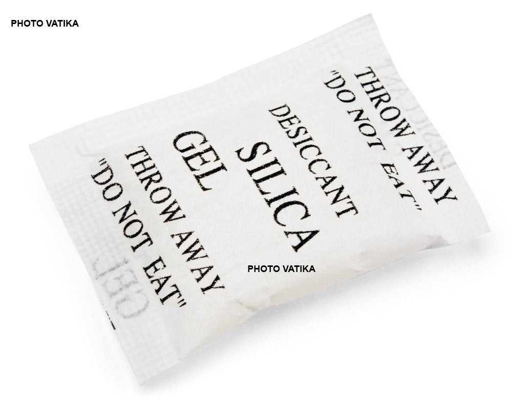 Photo Vatika Silica Gel Desiccants Packets for moisture absorb in Cameras, Lenses, Mobile Phones, Electronics (50 Packs 25 gm Each)