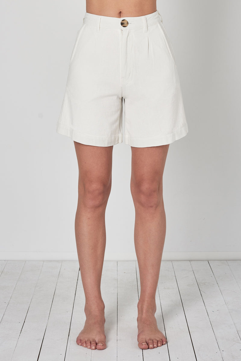 Vintage White Horizon Linen Short