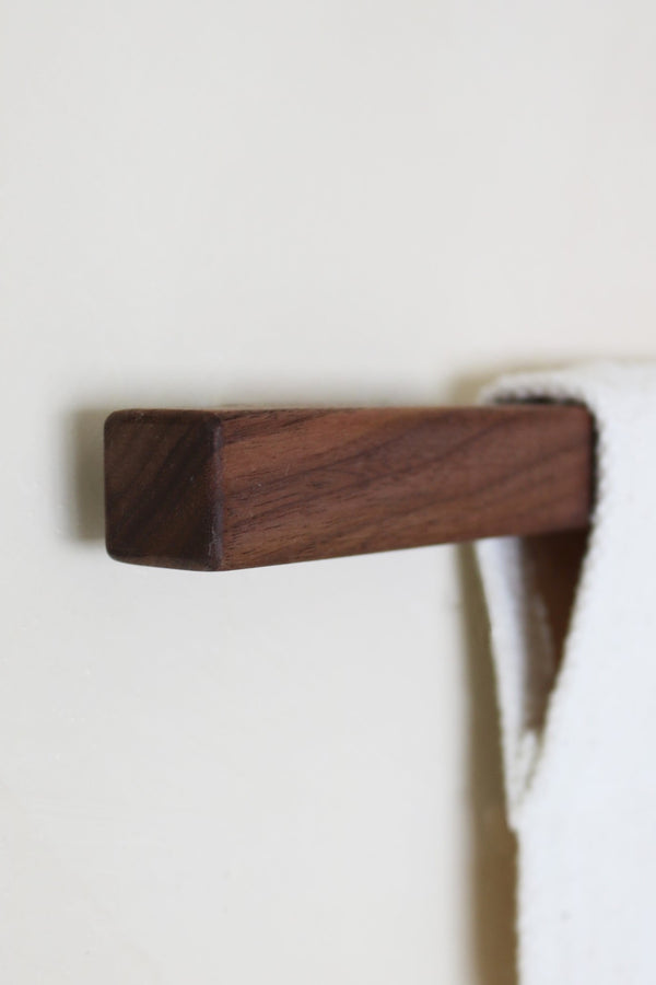 Walnut Simple Dowel
