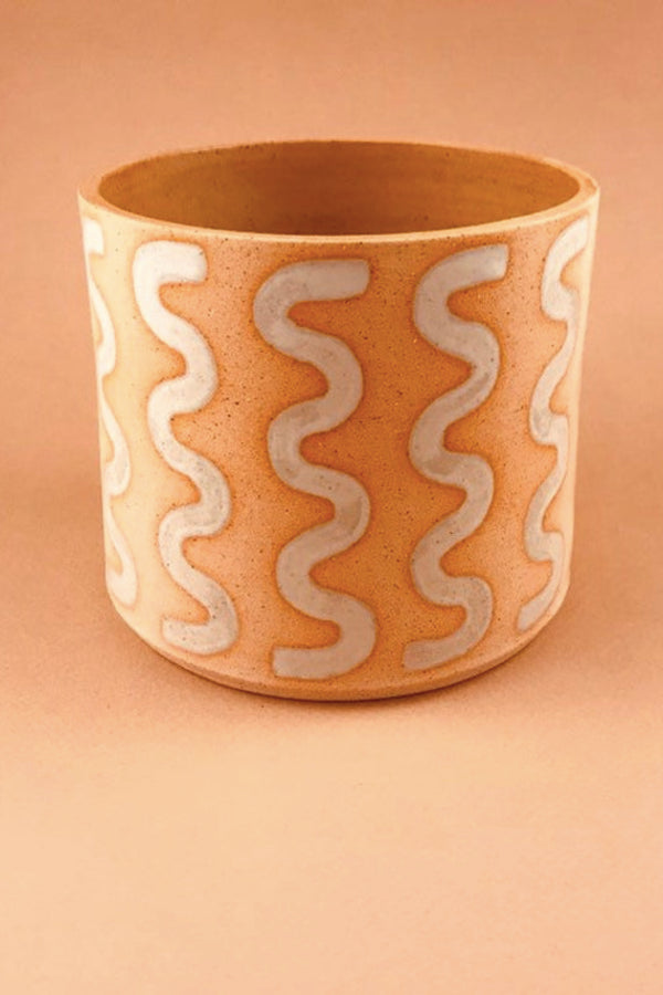 White Speckled Squirm Pot