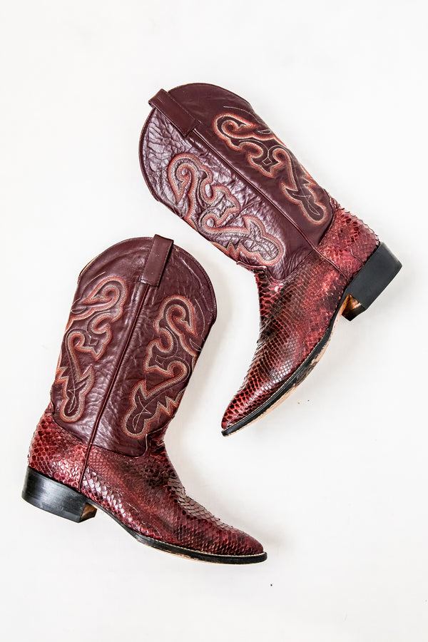 Burgundy Badlands Boot