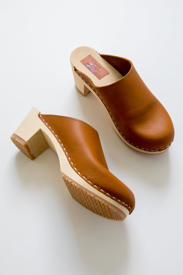 Honey Leather Medium Clog