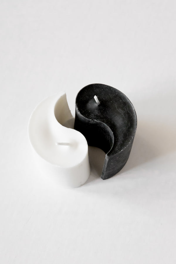 Black + White Yin Yang Candle
