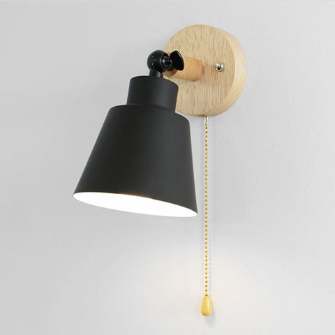 reading black Wall sconce in Metal and Wood Green with pull chain switch