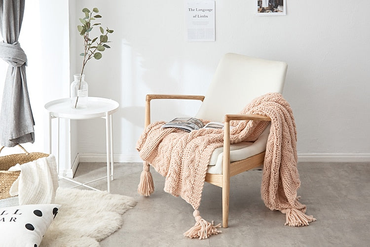 rectangle knitted pink throw blanket with tassels