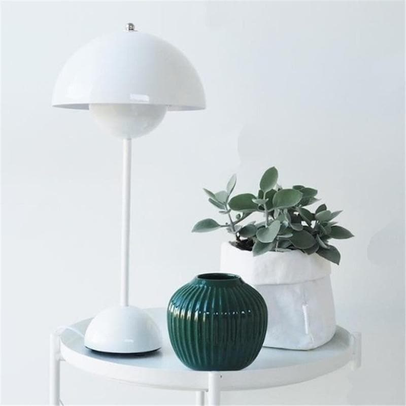 Flowerpot Lacquered Metal Lamp