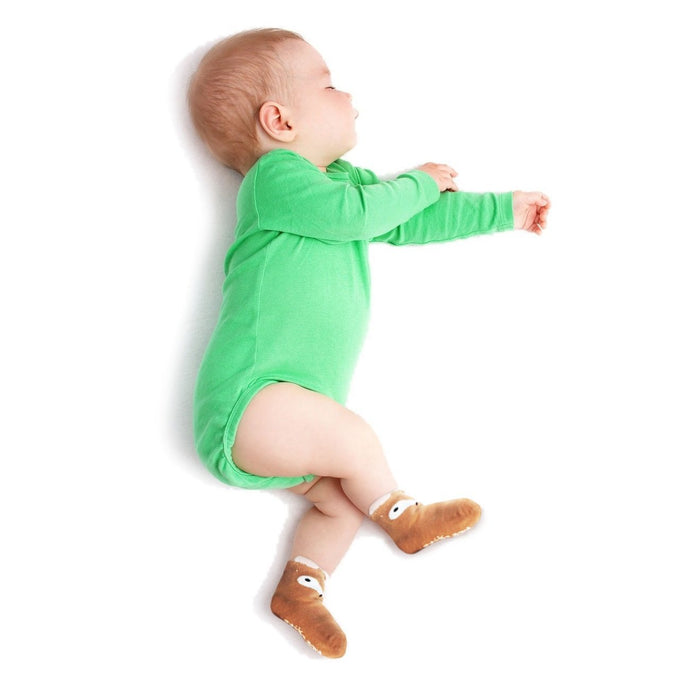 Should Infants Wear Socks to Bed?