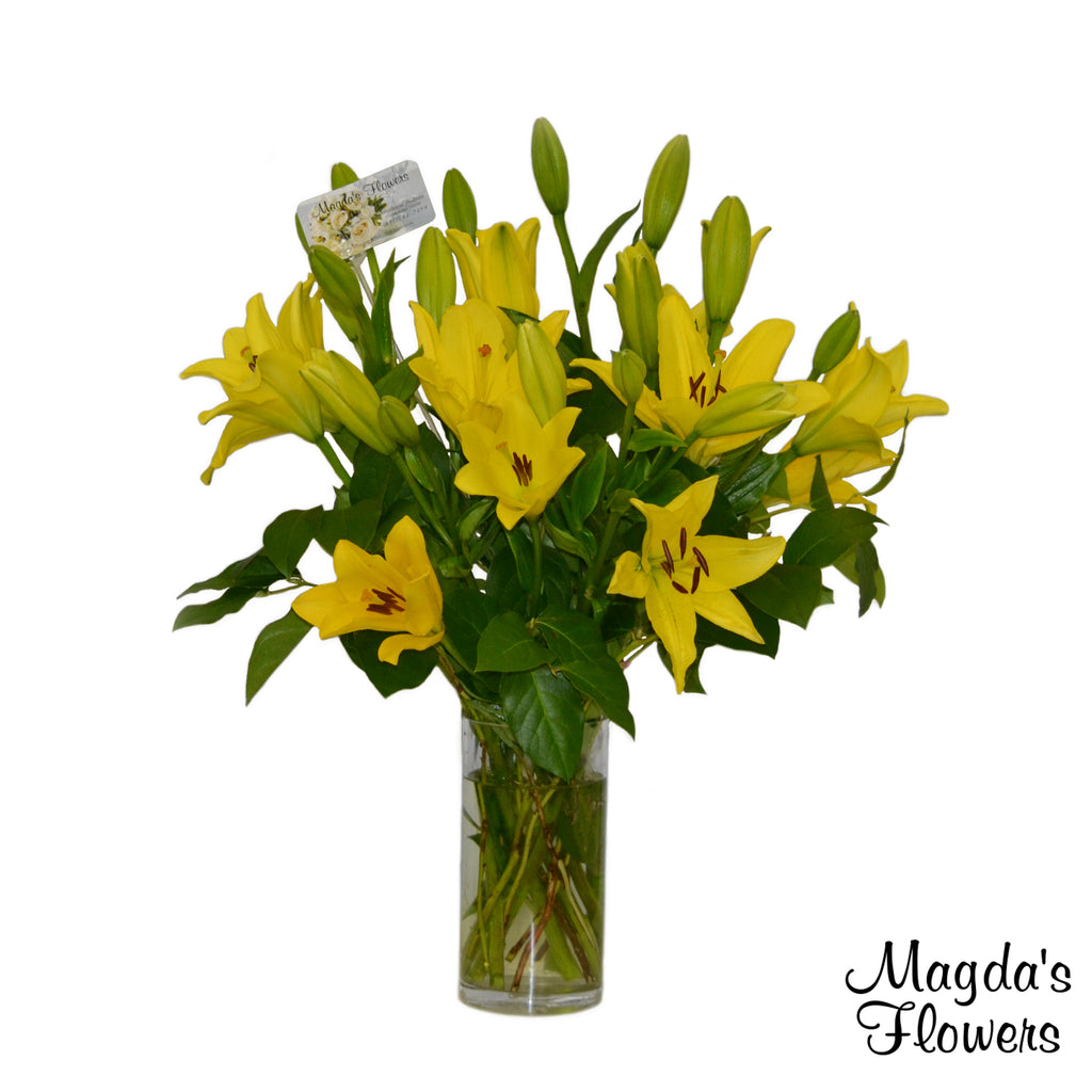 Isle of Lilies -Lilies Floral Vase Arrangement.  Magdas Flowers, Salinas California. Order flowers in Salinas. Local deliveries. Best Flowers in Salinas.