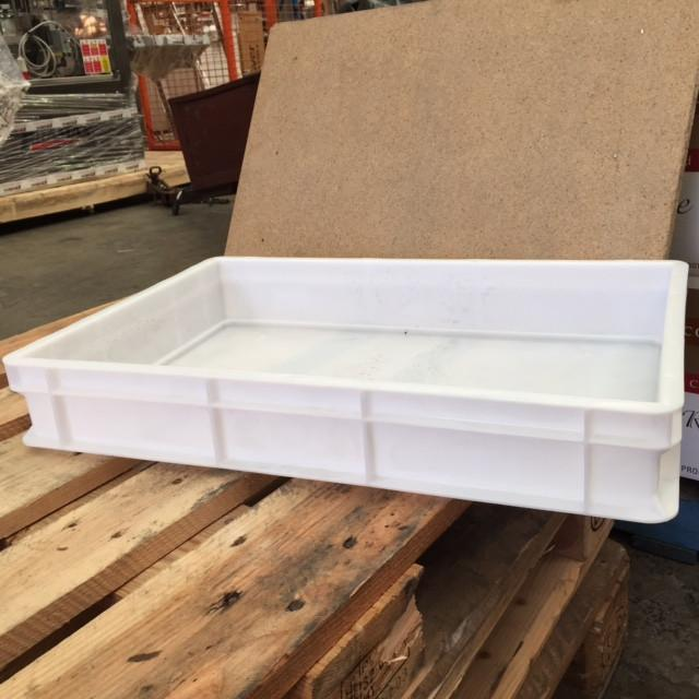 Crate 18 Litre Plastic Full Bottom & Sides 60x40x10cm