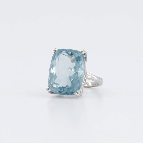 18ct Aquamarine Cocktail Ring