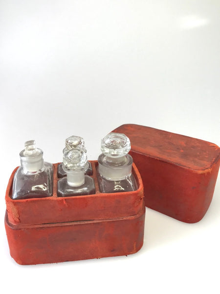 Travellers Perfume Set Antique