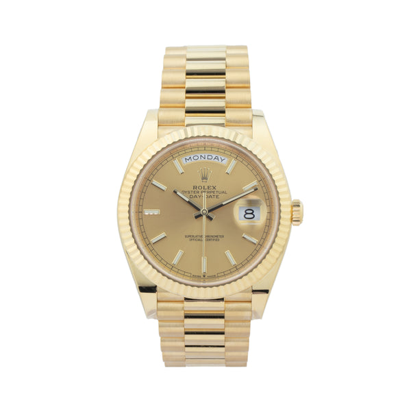ROLEX DAY-DATE 40 228238 . Brand Rolex Model Day-Date 40 Model Number 228238 Gender Mens/Unisex Movement Automatic 3255 Case Size 40mm Wrist Size 8 inches Case Material 18kt yellow gold Bezel 18kt yellow gold fluted bezel Crystal Sapphire Bracelet 18kt yellow gold presidential bracelet Dial  Champagne  Condition Unworn Age 2020 Box Yes Paper Yes Warranty Comes with one year SLW warranty Notes ENTER Notes