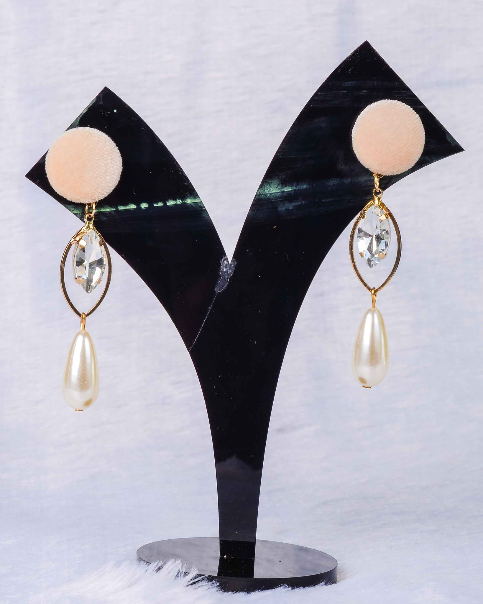 Pearl drop cute earings